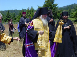 jacksson  Bishop Tikhon at Fort Ross  2005-12-12 05:06:26