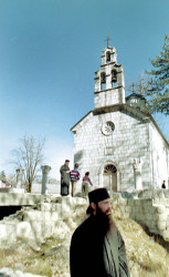 sasa  Ципур, Цетиње / The Church at Cipur,Cetinje  2006-09-19 15:51:30