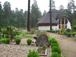 AGG  The cemetery in Sigulda, Latvia  2010-07-28 12:00:21