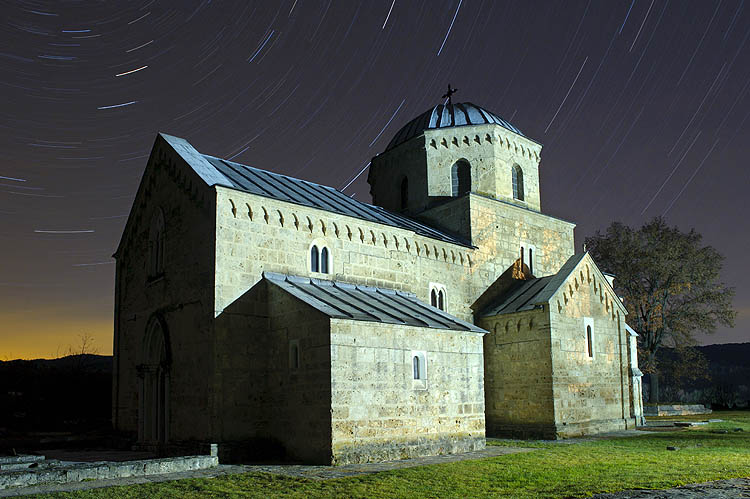 The night sky over the monastery Gradac