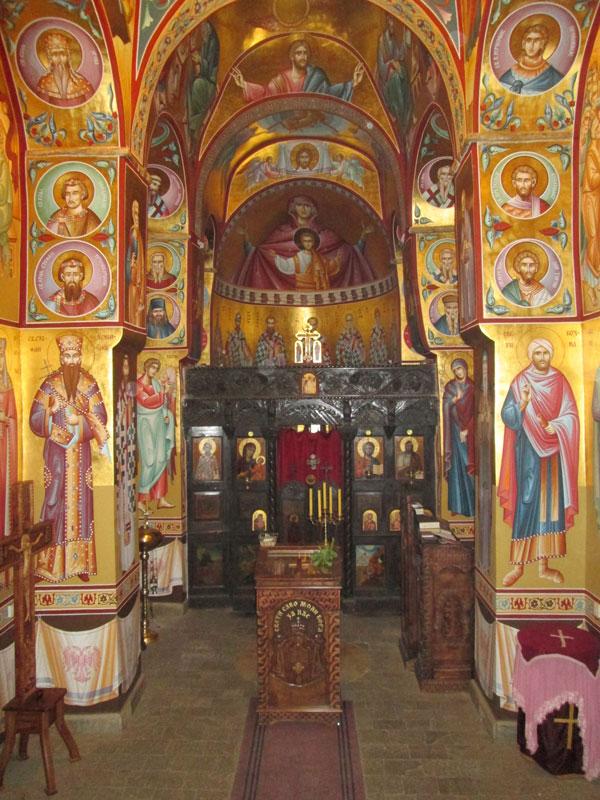 Иконостас цркве Светог Саве у селу Грачац-Church of Saint Sava in Gracac