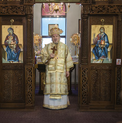 MikaV  His Grace the Bishop of Canada Dr.Mitrofan (Kodic) visits the Serbian Parish ofSt.George in Waterloo  2016-11-16 01:57:02