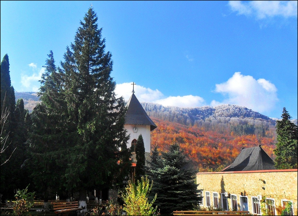 Pangarati monastery - Fall and winter hold hands with one another