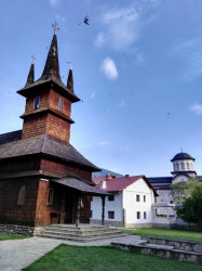 Mitrut Popoiu  Old and new church at Oașa monastery  2017-03-06 22:33:40