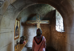 jarek  A prayer in Martvili monastery  2017-08-13 12:24:17