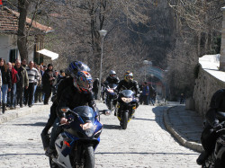 alexar  Rockers coming to Bachkovo Monastery to pray for safe travel  2017-08-19 17:05:50