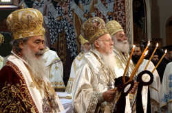 jarek1  Divine Liturgy at Pentacost in Hereklion Cathedral, 2016  2017-11-05 22:09:33