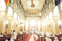 bretta  Easter Service at the Holy Trinity Cathedral, Addis Ababa  2017-11-08 00:22:20