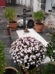 Mitrut Popoiu  Tomb of a Saint  2018-03-02 22:53:50