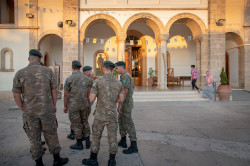 slawek  * Cypriot soldiers in front of the church *  2018-08-27 08:04:12