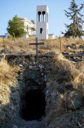 jarek11  A cave of Agios Partheos close to Trulloi  2018-09-14 23:16:29