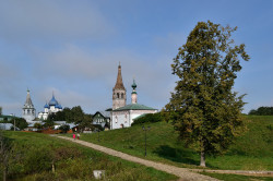 DmitryIvanov  View with Churches and Tree  2018-12-17 20:09:24