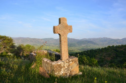 AndiRembeci  Medieval Christian tomb in Polena  21  2019-05-06 03:16:37