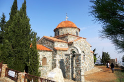 jarek1  All Saints church in Stavrovouni Monastery  2019-11-19 13:58:21