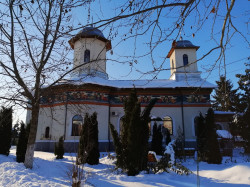 Florina  Saint Demetrios The Myrrh-Bearer Church in Bragadiru, last winter  2020-05-01 23:29:24