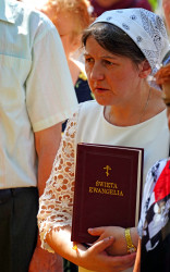 jarek11  The prayer to Podlasie Martyrs at their grave close to Puchały Stare  2020-08-02 21:39:23