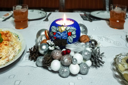 jarek  On Christmas table  2021-01-12 20:53:54