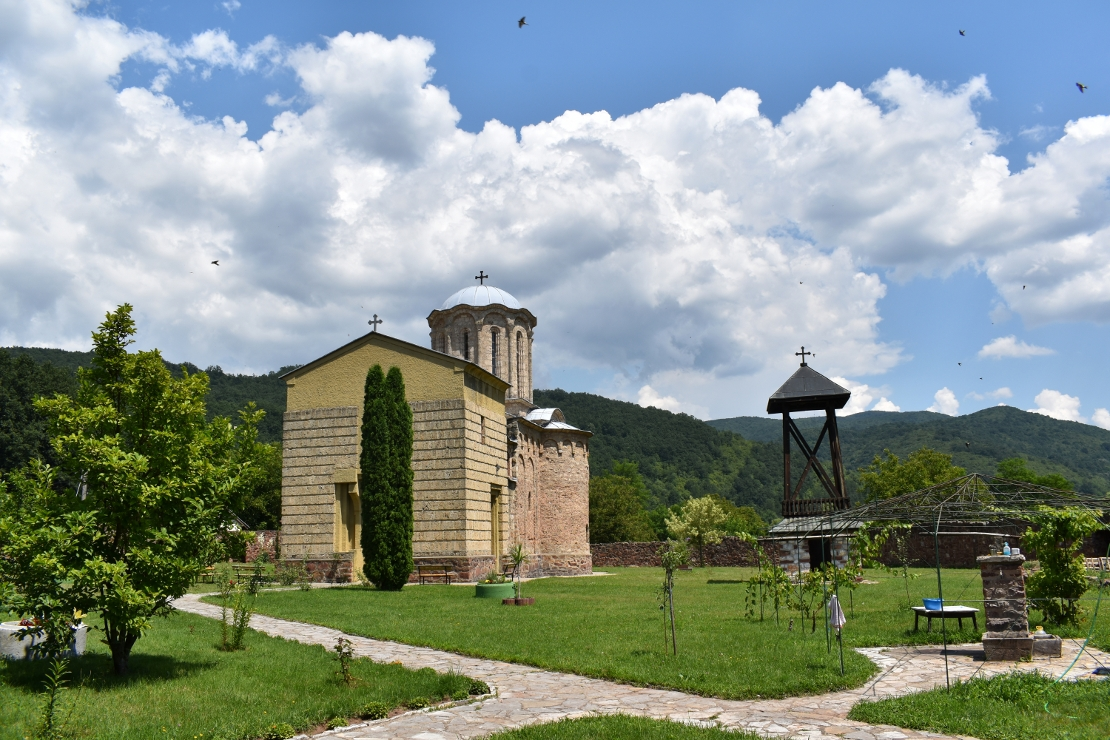 Sisojevac Monastery, clouds and swallows